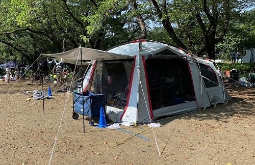 コールマンのスクリーンテント。蚊や蛾の虫除けもできて、キャンプ場で大活躍